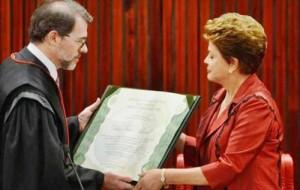 Dilma-diplomada-e1418943079875