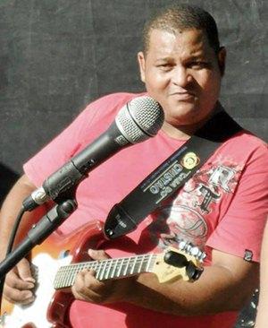 Marcos Garra, Voz e Violão