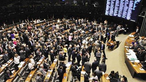 size_810_16_9_Sessão_na_Câmara_dos_Deputados_para_votação_da_lei_de_terceirização