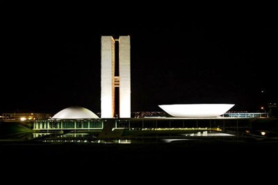 Congresso_Nacional_BR_noite-580x387