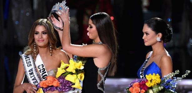 a-colombiana-chegou-a-ser-coroada-mas-a-verdadeira-eleita-era-a-filipina-1450669908360_615x300