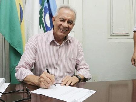Josibias Cavalcanti tem 88 anos e foi eleito prefeito de Catende pela 3ª vez. Atualmente, ele é gestor do município da Mata Sul por decisão judicial