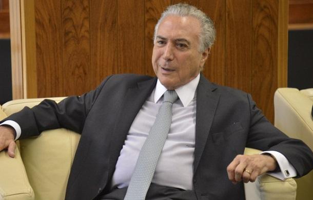 Brasília – O vice-presidente Michel Temer recebe o chanceler italiano, Paolo Gentiloni e o ministro das Relações Exteriores, Mauro Vieira (José Cruz/Agência Brasil)